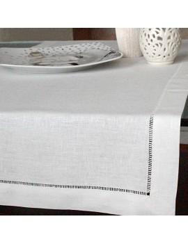 Chemin de table en lin blanc jour échelle