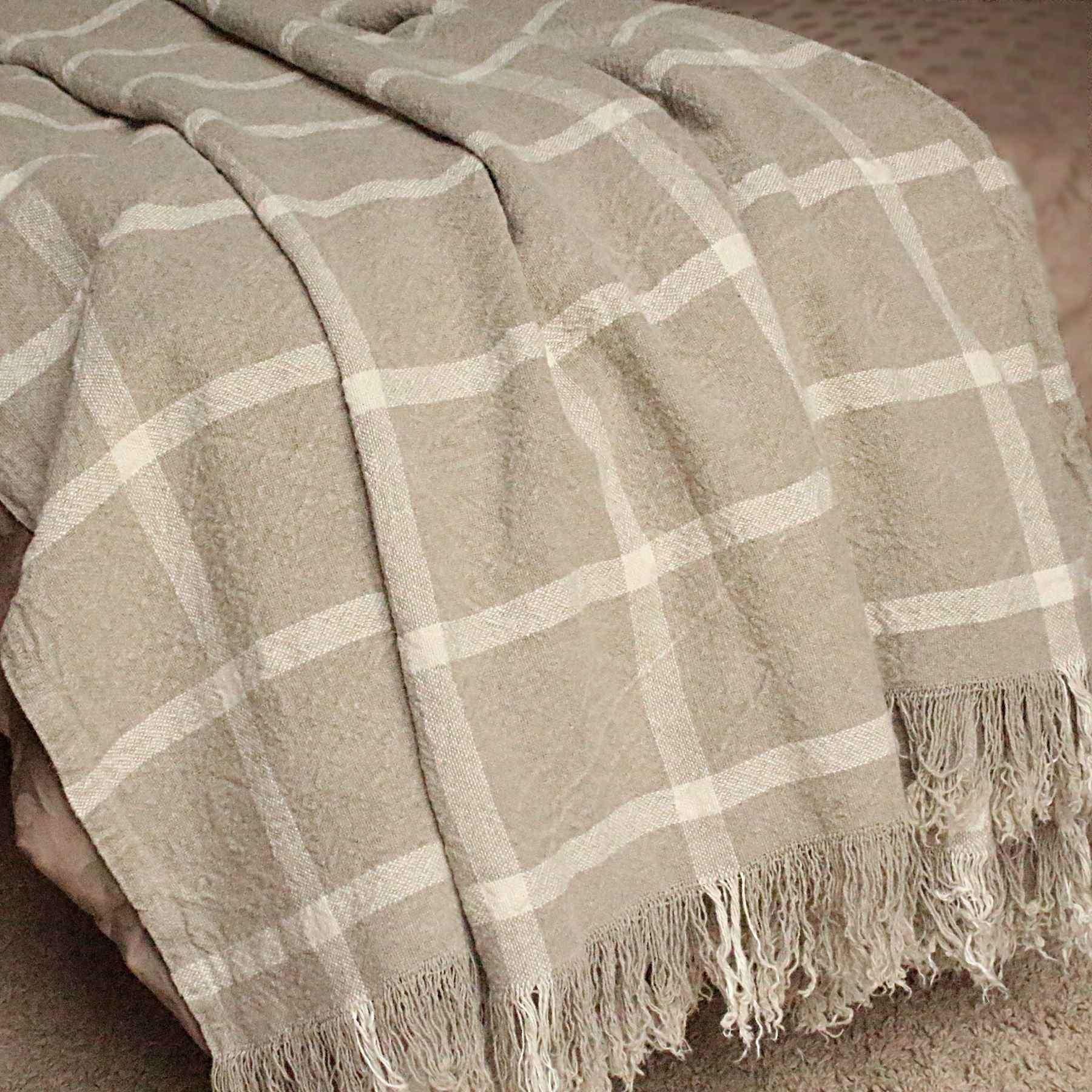 plaid en lin naturel. Black Bedroom Furniture Sets. Home Design Ideas
